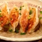 中華第一家 杜記 - 自家製コラーゲン入り焼き餃子