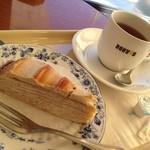 ドトールコーヒーショップ - 料理写真:秋限定マロンミルクレープと紅茶☆