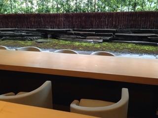 茶洒 金田中 - 苔庭を見ながらの、ランチって素敵です☆