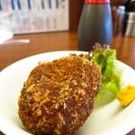 もつ焼き 肉の佐藤 - 牛肉メンチカツ150円