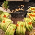 まんまる - アボカドのロール鮨