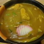 かとう - 大盛は濃厚、うまうまのスープもかなり増量です。もちもちの太麺にうまうま濃厚でスパイシーな和風カレースープがしっかり絡みつき、口の中で熱々のまま素晴らしい味のハーモニーを醸し出します。