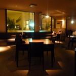 レストラン ロータス - 静かに飲みたい時には最高の場所