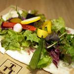 タルタート - むさしの産野菜とベーコンのタルトフランベ