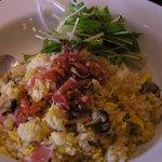 希須林 - ベーコンときのこの炒飯