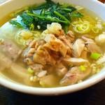 中国料理 青樺楼 - 鳥肉入りそば2013.10