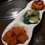 焼肉ハウス 香花園 - キムチ盛り合わせ 730円