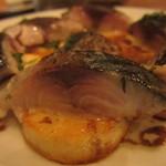 ウグイス - 炙り鯖とじゃが芋のソテー