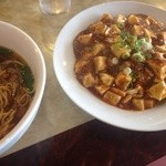 金龍美食  - セットの麻婆豆腐
