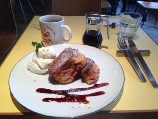 HARAJUKU BOX CAFE&SPACE 原宿店 - フレンチトーストとコーヒーとメープルシロップ♪