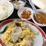 味中味 - ランチの豚肉と木耳の玉子炒め定食(700円)