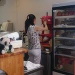 21925197 - 冷蔵庫の中には生のマンゴーがいっぱいスタンバイしてました♪
