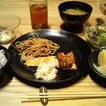 Tennosachiyamanosachi - 平日13時以降のお惣菜バイキング