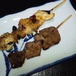 串たろう - 料理写真:上からひな肉(カレー味)・レバー 各130円(2013.8月)