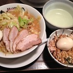 ラーメン オギカワ - 味噌豚骨ラーメン&どろたま丼