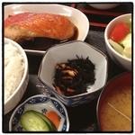 ウオツネ - 金目鯛の煮付け定食。 大きな切り身。 おなかいっぱい。