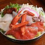 森瀧 - 料理写真:「うどんすき鍋」 たっぷりの具材をまずは食べてください。 旬の素材をたっぷりとご用意致します。 シャキシャキとした白菜の歯触りは最高ですよ!