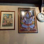 21935397 - 店内 ヒンズー教の宗教画が店内に何枚も張ってあります