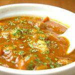 クローバー - ひよこ豆とバラ肉のデミグラス煮込み コトコトと煮込んで、野菜やバラ肉の旨みが引き出ています♪