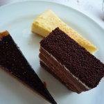 カフェトスカ - ショコラタルト、チョコレートケーキなど。デザートの種類は豊富です。