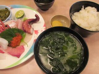 びんび家 - 1800円『刺盛定食』2013年9月吉日