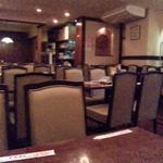 華龍飯店 - 土曜で空いてる店内