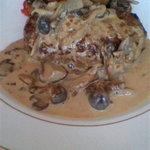 グリル満天星 麻布十番 - ハンバーグwithポルチーニ茸とクリームソース