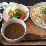 カレー屋麺八 - 「滋賀野菜とカレーつけ麺」(900円)の「ランチセット」(+200円)で~っす( ̄▽+ ̄*)