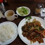 21961785 - ストロガノフ風牛肉の細切り煮込み1200円