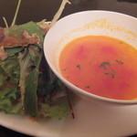 サンドヴァルム - ランチのサラダ・スープ