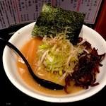 たいが - 白湯【荒ネギ】しょうゆ。¥800。名古屋コーチン出汁、白湯に加えたさっぱりとした醤油味。荒ネギがシャキシャキして風味と歯ごたえもあって美味しかったです。