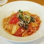ワインハウス サノヤ - パスタランチ<\1,050>(ベーコンと野菜のトマトソースパスタ、2013年9月)