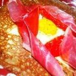 21970300 - ガレット。生ハムとトマトのガレットは本日のガレット。