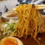 弟子屈ラーメン - 魚介しぼり醤油チャーシュー 麺