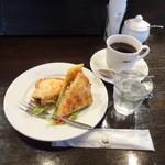 コーヒーハウスぽえむ - カレーツナサンドハーフセット730円