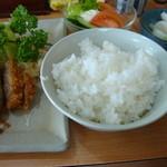燕楽 - 上ロース定食