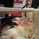 どやぺぺらぁ麺 - 麺は細麺タイプですが、極細まではいきません・・・やはり喰い応えはちょい乏しいかんじ・・・