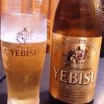 21974765 - なんとヱビスビール! 中瓶で450円も安い♪