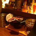 バー ピラール - ピース缶・フレーバーシガーは1本からOK
