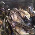Lian - 牡蠣のガンガン蒸し。汁もいい!