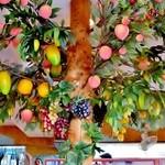 フォー ベト レストラン - 南国フルーツがたわわに実ってます