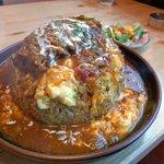 なみへい食堂 - 大きめビーフのカレーオムライス大盛り