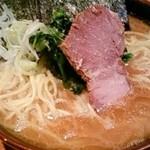 21980874 - ラーメン880円(麺増し、海苔増し、固め)