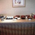 オテル・ド・マロニエ 下呂温泉 - 朝食のバイキングで並んでいた料理です。