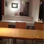 樹の香 JEU AU CAFE - 白いグランドピアノがあります