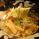 らーめん博多維新 - 細麺ストレート