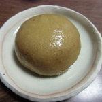 岡乃家 - 茶饅頭