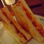 room - 日替わりサンドイッチ(シーフード)