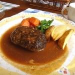 食彩館英 - 料理写真:ハンバーグランチ。昔ながらの素朴なお味。好きだな。