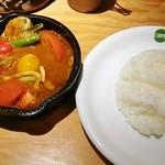 野菜を食べるカレー camp - 1日分の野菜カレー(990円)+2辛(40円)